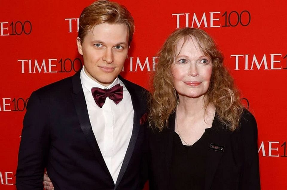 "The siblings Ronan and Dylan Farrow have defended their mother, Mia Farrow, and criticizing New York Magazine as both indicated the faults and ""bizarre fabrications"" in a disapproving way."