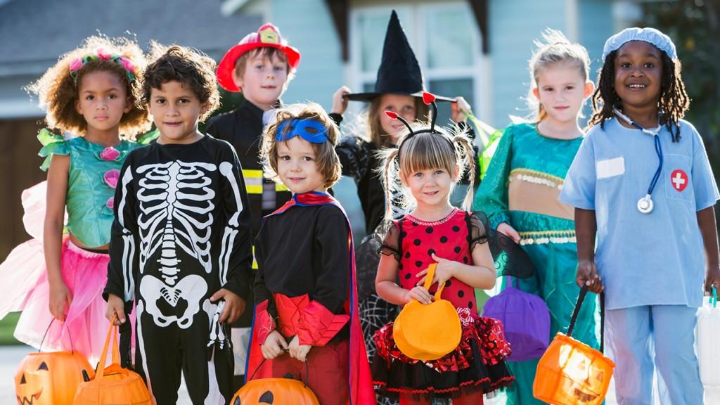 children dressing on Halloween