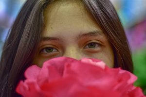 rose water benefits for eyes