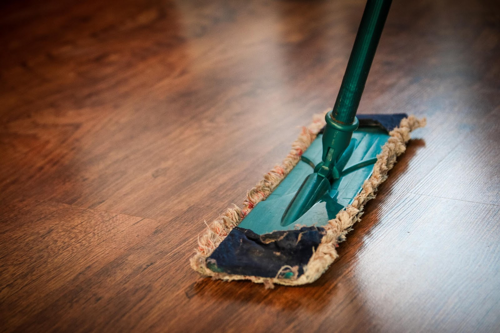 Tile Cleaning with the Best Floor Mop Cleaners