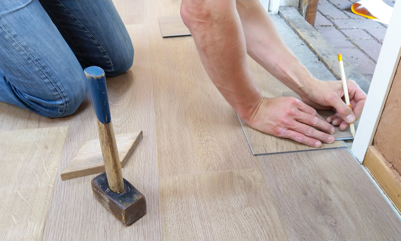 GETTING A NEW FLOORING